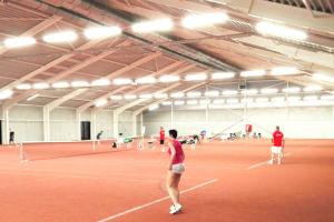 Atlas LED Lijnverlichting geïnstalleerd om Tennisbaan 't Rooi antwerpen