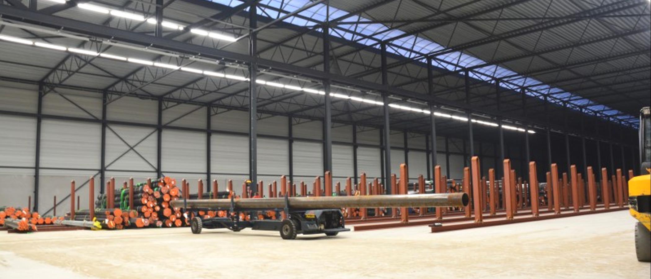 BAIYILED Atlas LED lijnverlichting geïnstalleerd in magazijn
